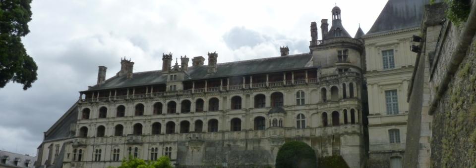 Histoire, magie et doute : trois facettes de la vie culturelle à Blois