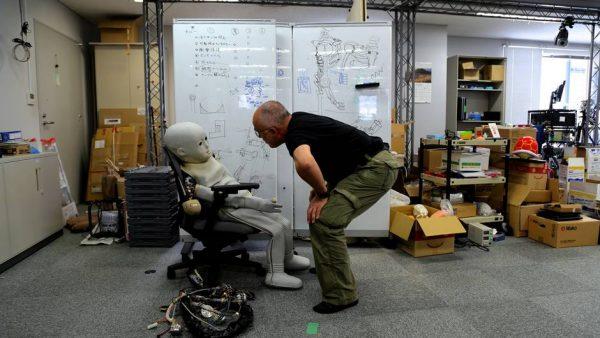 Au cœur des robots: l'humanoïde qui n'est plus un mythe