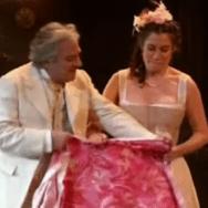 Tailleur pour dames: Moulineaux roucoulant au dessus d'un précipice …
